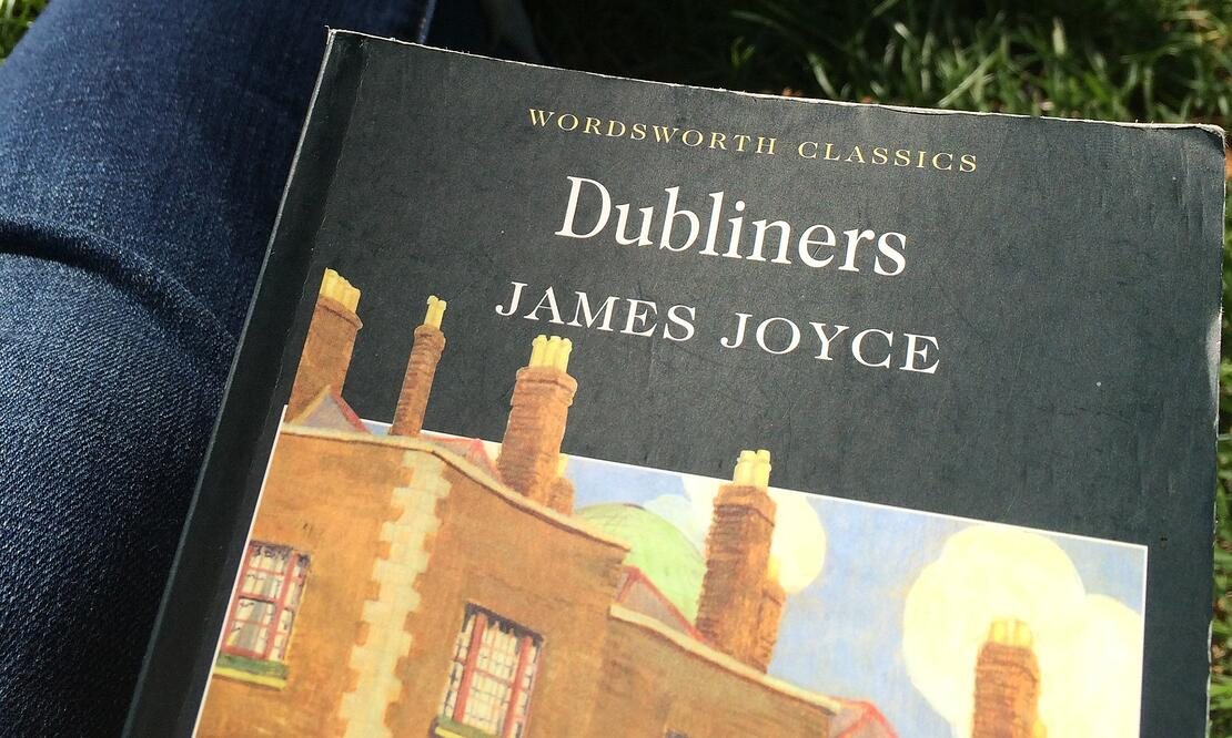 Reading some (appropriately Irish) James Joyce in Dublin