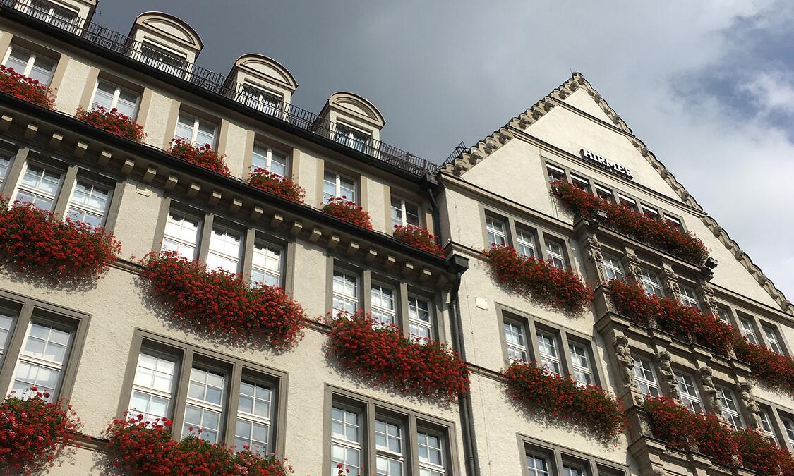 Munich architecture and flowerboxes