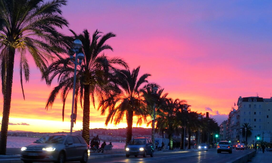 Breathtakingly beautiful sunset on the Promenade des Anglais in Nice, France