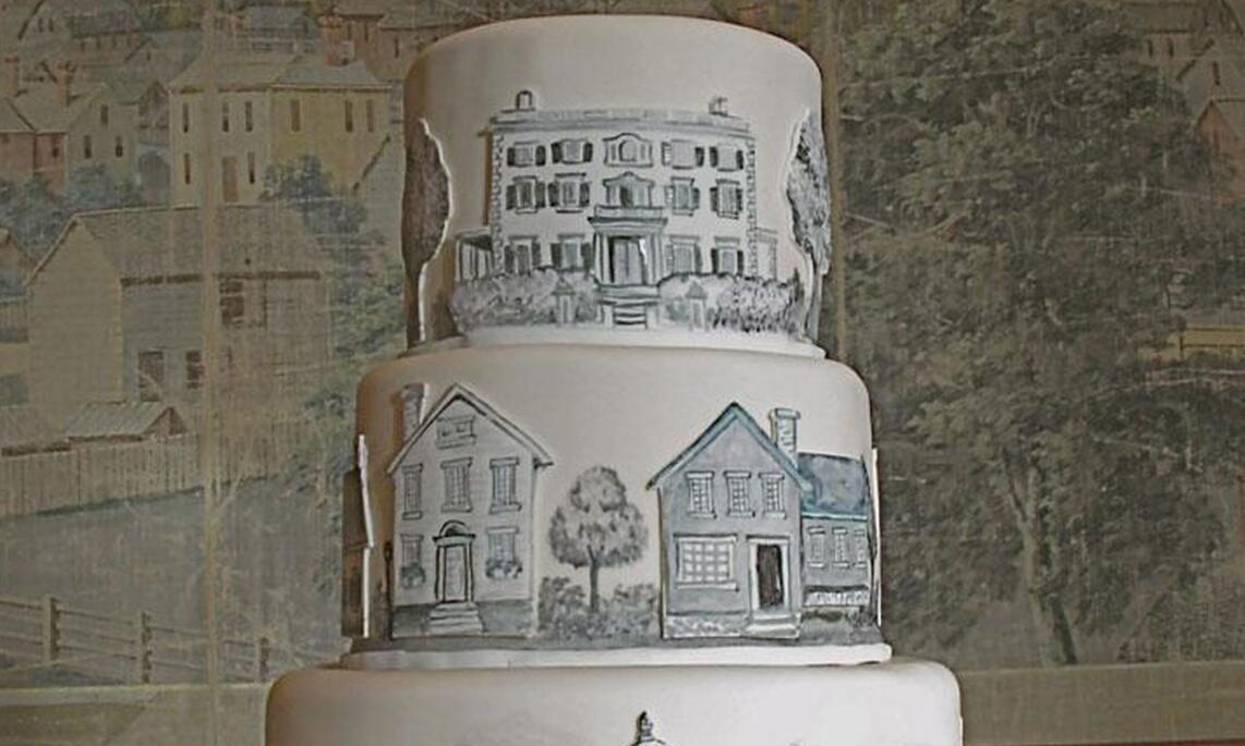 Cake with cityscapes from Sin Bakery